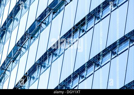 Fachada de cristal de la torre de correos, la sede de la Deutsche Post AG, DHL y Postbank, Bonn, Renania, Renania del Norte-Westfalia