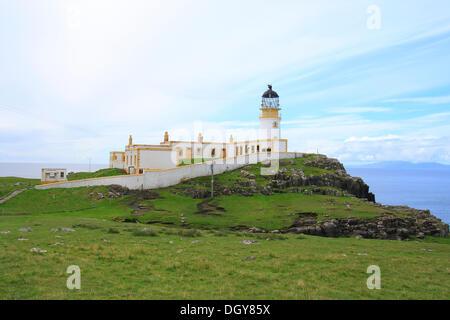Faro de neist Point, Isla de Skye, Escocia, Reino Unido, Europa Foto de stock
