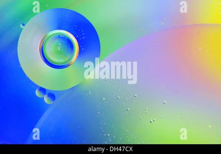 Resumen de gotas de agua en el aceite Foto de stock