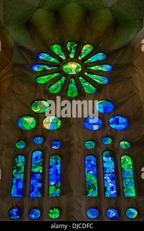 Vidriera, la Basílica de la Sagrada Familia, Barcelona, España