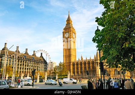 El Big Ben y las Casas del Parlamento, Plaza, Westminster, Londres, Inglaterra, Reino Unido.