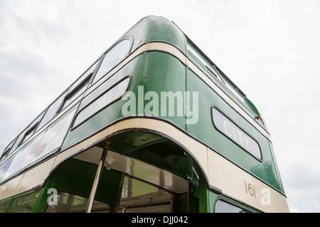 Vista trasera de una vendimia AEC Regent III, un antiguo bus double decker bus utilizadas anteriormente por el transporte de la ciudad de Nottingham (GNC), Inglaterra, Reino Unido.
