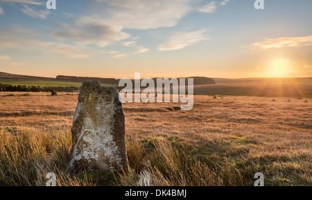 El círculo de piedra Fernacre al pie de Roughtor en Bodmin Moor en Cornwall.