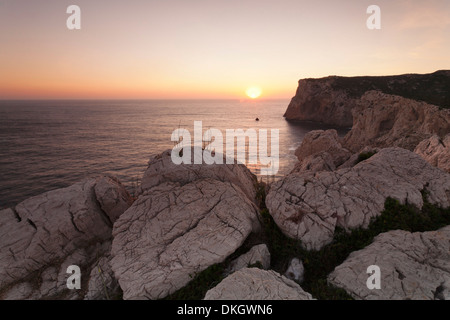 Capo Caccia al atardecer, Provincia Nurra, Cerdeña, Italia, Mediterráneo, Europa