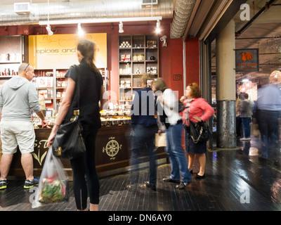'Spices & Tease' en el mercado de Chelsea, Nueva York