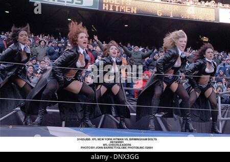 Febrero 16, 2001 - 31425JBB: NUEVA YORK XFL HITMAN VS. Tornillos de Birmingham.16/02/2001.XFL de porristas. JOHN BARRETT/ 2001(Crédito Imagen: © Globe Photos/ZUMAPRESS.com)