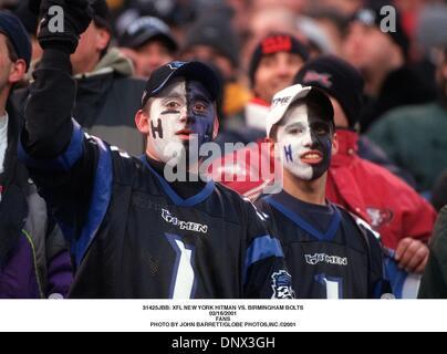 Febrero 16, 2001 - 31425JBB: NUEVA YORK XFL HITMAN VS. Tornillos de Birmingham.16/02/2001.Los ventiladores. JOHN BARRETT/ 2001(Crédito Imagen: © Globe Photos/ZUMAPRESS.com)