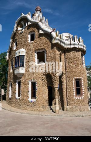 Edificio en el Parc Güell de Gaudí en Barcelona en la región catalana de España