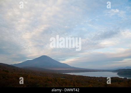 Vista de Mt. Fuji de Panorama-dai, Yamanashi, Japón
