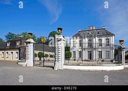 Pabellón de caza Falkenlust Palacio Bruhl Rhein-Erft-Kreis de Renania del Norte-Westfalia, Alemania / construidos desde 1729 a 1740 por Francois de
