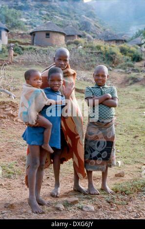 Los niños basotho, cerca, Lesotho Malealea Foto de stock