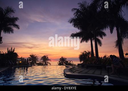 Filipinas, Visayas Boracay Island Resort, con vistas a la playa de White Foto de stock