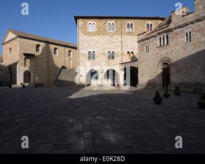 Bevagna, Umbría, Italia; vista de Piazza Silvestri