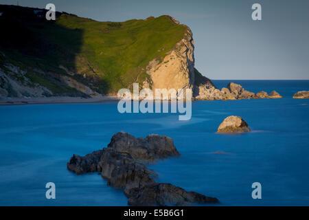 Man O' War Bay cerca de la puerta de Durdle, la Costa Jurásica, en Dorset, Inglaterra