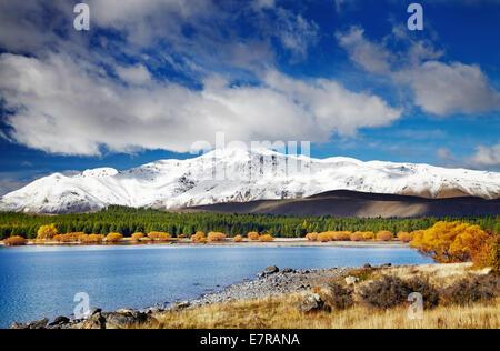 Paisaje de montaña, el Lago Tekapo, Nueva Zelanda