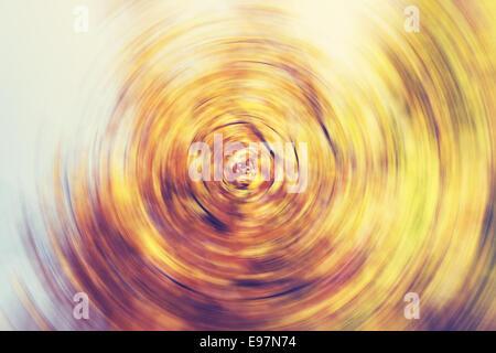 Colores de otoño resumen antecedentes, spin círculo desenfoque radial.