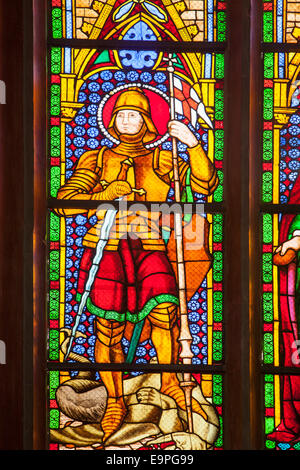Ventana de St George, la iglesia parroquial de Santa María, Marburgo, Hesse, Alemania, Europa ,