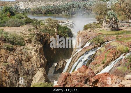 Vista elevada de cascada, Epupa Falls, Namibia