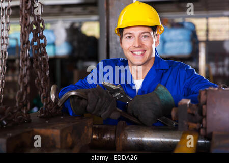 Retrato de trabajador manual de taller industrial Foto de stock
