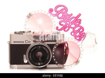 Vintage con cámaras de película SLR novia sea recorte gafas