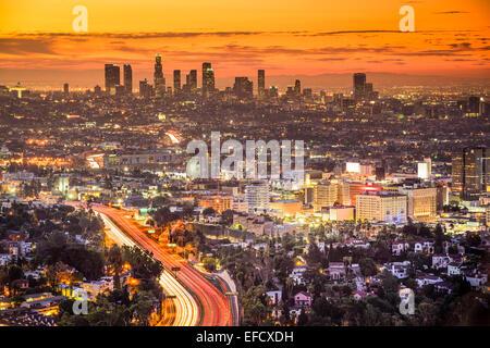 Los Angeles, California, EE.UU., ciudad al amanecer.