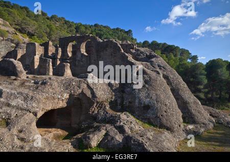 Roca, mozárabe de Bobastro iglesia rupestre 9th/10th siglo, cerca de Ardales, provincia de Málaga, Andalucía, España.