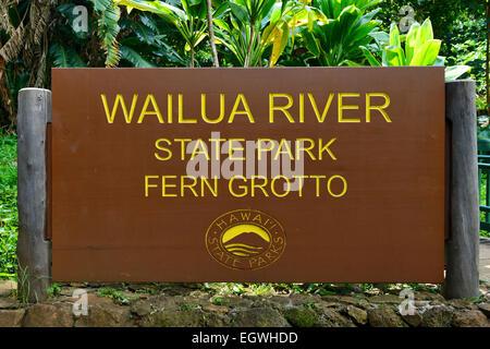Cartel para el helecho Gruta de Wailua River State Park, Kauai, Hawaii, EE.UU.