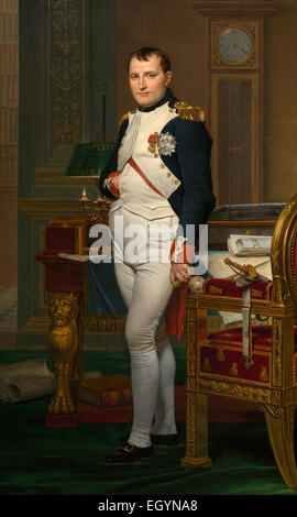El emperador Napoleón Bonaparte en su estudio en las Tullerías es un 1812 pintura de Jacques-Louis David. Napoleón Bonaparte (nacido Napoleone di Buonaparte; 15 de agosto de 1769 - 5 de mayo de 1821) fue un líder político y militar francés que se levantó a la prominencia durante la Revolución Francesa y sus guerras. Foto de stock
