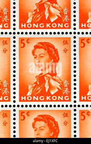 5c Hong Kong sello que muestra a la Reina Elizabeth II, basado en Annigoni retrato de 1956