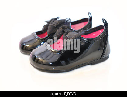 La patente del bebé niña zapatos de cuero con cinta negra