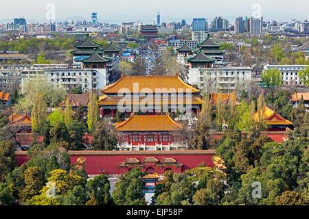 La Ciudad Prohibida en Beijing, China, mirando al sur desde el mirador del parque Jingshan