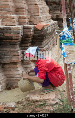Los trabajos de renovación que se llevan a cabo en el Parque Histórico de Ayutthaya Tailandia