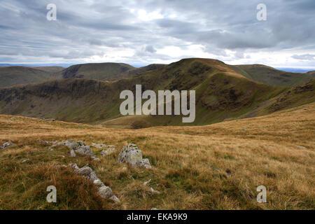 Vistas a la cumbre de Peña Riggindale cayó, Lake District National Park, Condado de Cumbria, Inglaterra, Reino Unido. Crag Riggindale cayó es