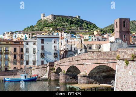 Ciudad Medieval de Bosa Cerdeña Italia