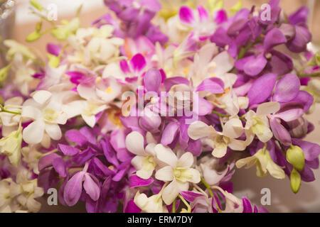 Arreglos florales para eventos especiales, principalmente Bodas