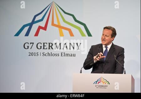 Garmisch-Partenkirchen, Alemania. El 8 de junio de 2015. El Primer Ministro británico, David Cameron, habla durante la conferencia de prensa sobre el día final de la Cumbre del G7 celebrada en el Schloss Elmau Junio 8, 2015 cerca de Garmisch-Partenkirchen (Alemania).