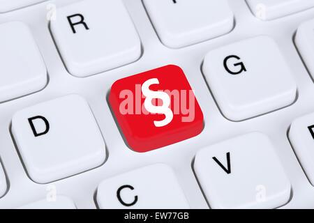 Derechos y justicia en línea en internet teclado de ordenador