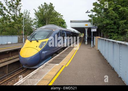 El sureste de jabalina HS1 en el tren a la estación St Pancras International a Ramsgate route en Broadstairs, Kent, UK