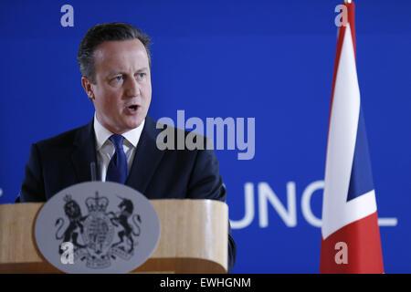 Bruselas, Bélgica. El 26 de junio de 2015. El Primer Ministro británico, David Cameron, habla durante una conferencia de prensa tras una cumbre de la UE en Bruselas, Bélgica, 26 de junio de 2015. Crédito: Ye Pingfan/Xinhua/Alamy Live News