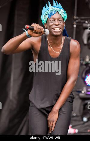 Dover, Deleware, EE.UU.. 19 de junio de 2015. El rapero LE1F actúa en directo en el escenario del Festival de Música de Firefly en Dover, Delaware © Daniel DeSlover/Zuma alambre/Alamy Live News