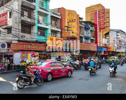 El tráfico en la ciudad de Pattaya, Chon Buri, Tailandia