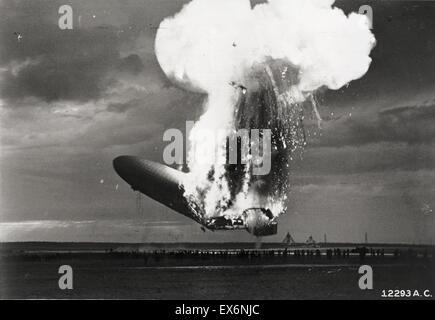 El desastre del Hindenburg tuvo lugar el jueves, 6 de mayo de 1937, como el dirigible de pasajeros alemán LZ 129 Foto de stock