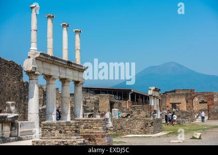 Las ruinas de la antigua Pompeya, Italia