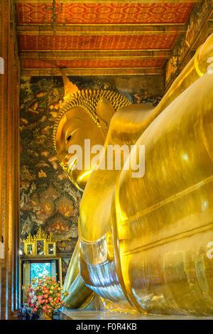 Tailandia, Bangkok, Wat Pho, Buda Reclinado,