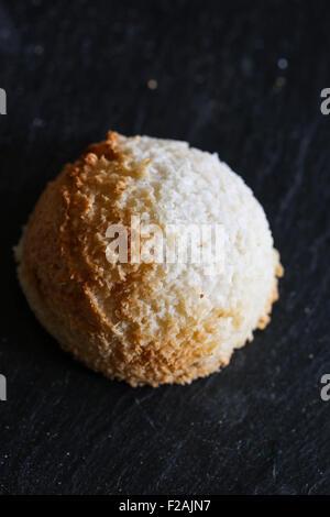 Congolais Coco Macarons