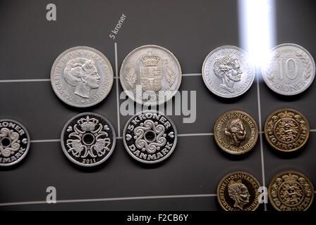 Copenhague, Dinamarca. El 16 de septiembre, 2015. Monedas danesas mostrar al banco nacional de Dinamarca en el hall. Crédito: Francis Dean/Alamy Live News