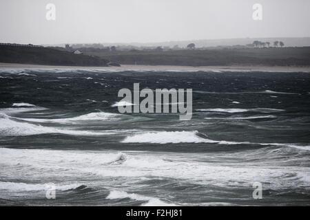 El mar embravecido en St. Ives bay