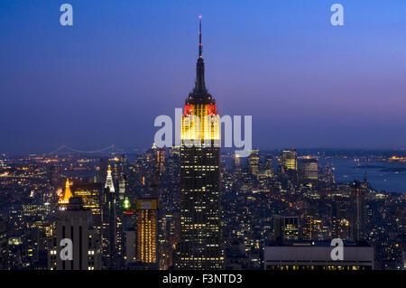 El Edificio Empire State, visto desde la cima de la roca en el Rockefeller Center. 350 Fifth Ave esquina de 34th St. El Empire State Buildin