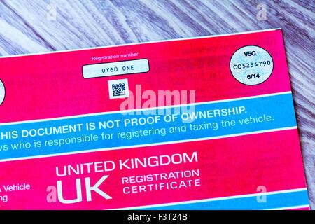V5c coche documento certificado de registro de libro de registro de la prueba de propiedad del propietario uk inglaterra