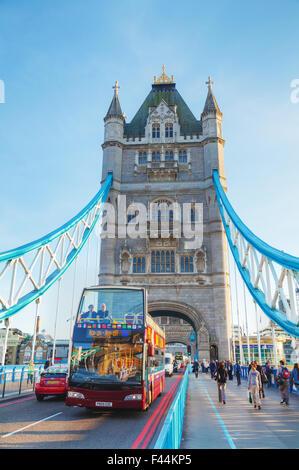Tower Bridge en Londres, Gran Bretaña